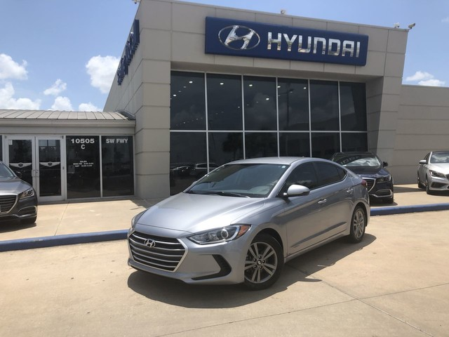 Used 2017 Hyundai Elantra SE w/ Popular Equipment Package
