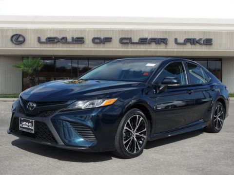 Used 2018 Toyota Camry SE MOONROOF